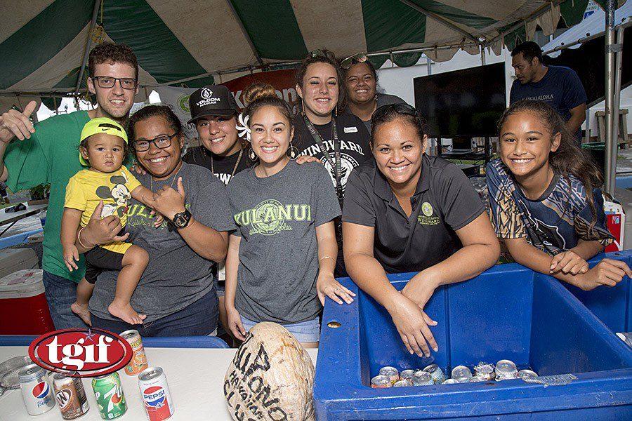 ASUH Members helping at the Windward Hoʻolaulea